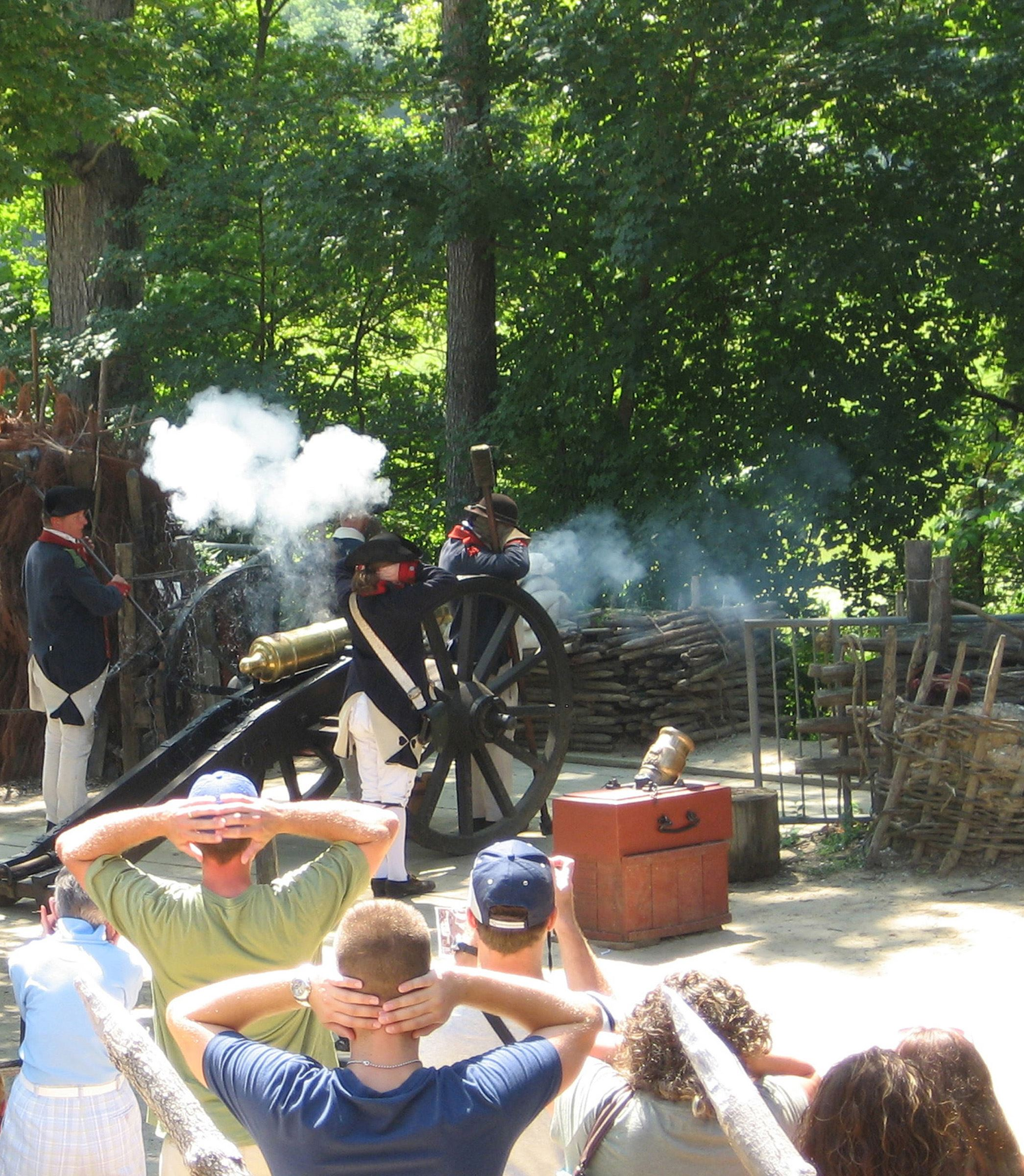 YVC-Continental-Army-encampment-cannon-firing