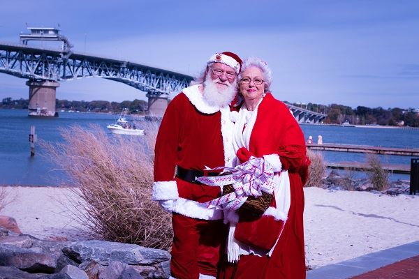 Santa and Mrs. Claus Coleman Bridge