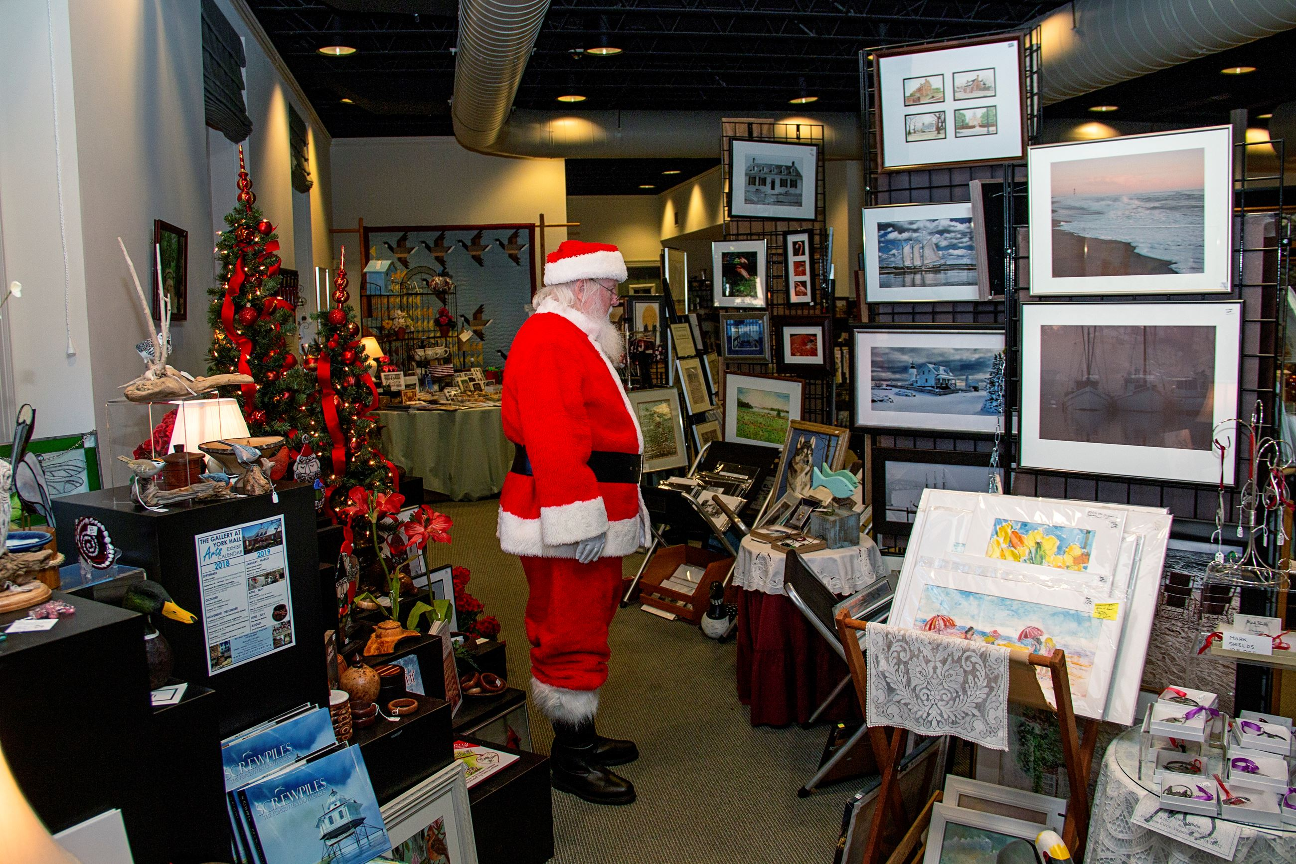 Santa Shopping the Gallery