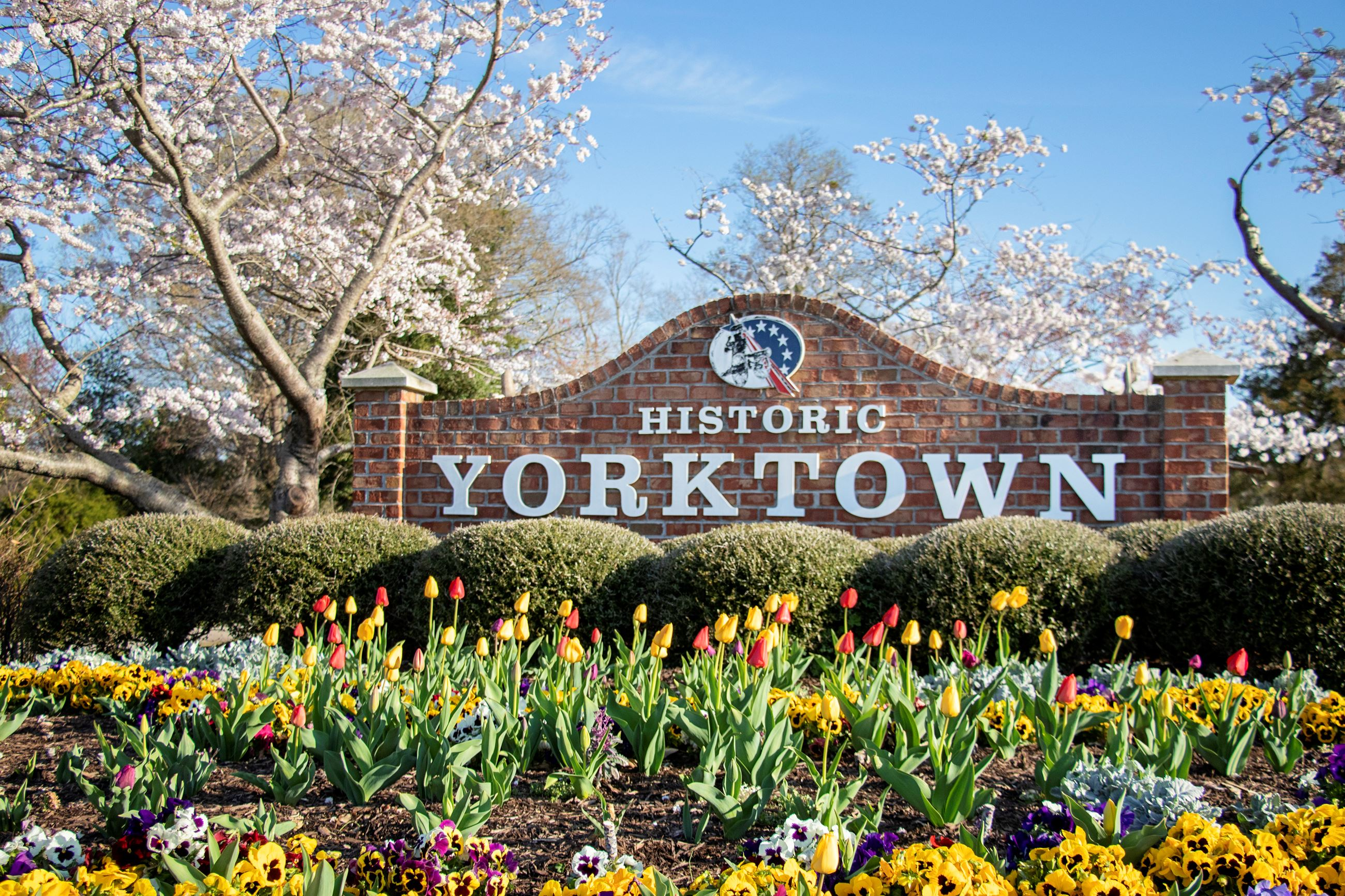 Historic Yorktown SIgn Flowers