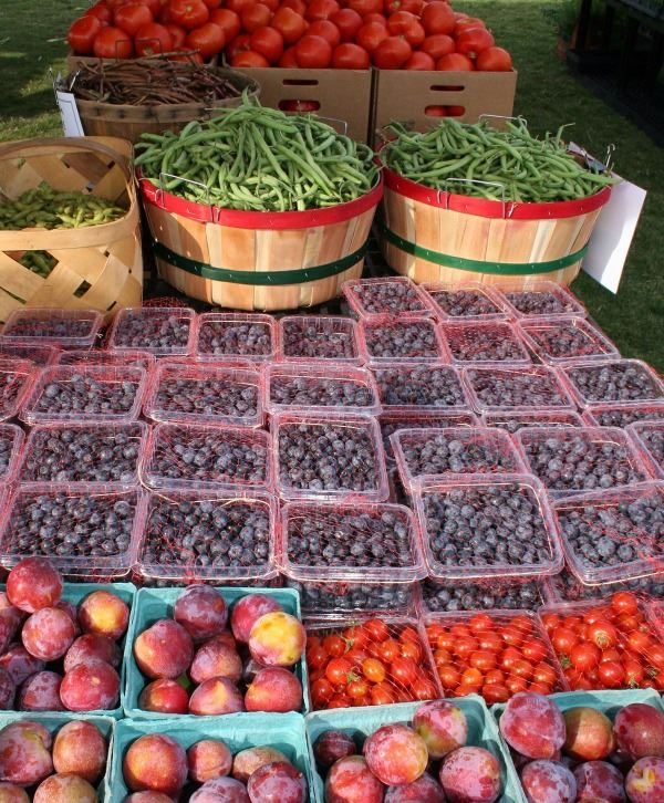 Market Days Berries and Fruit