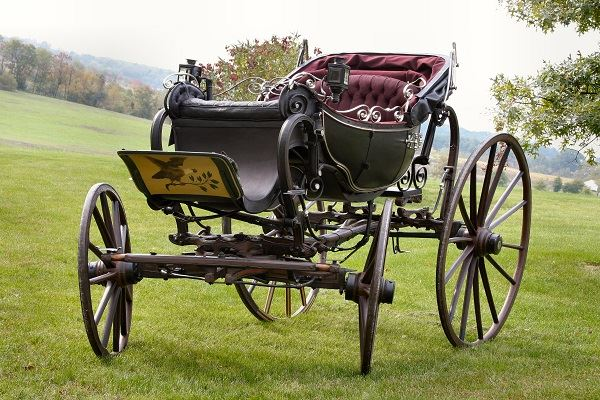 Lafayette-Carriage-c1824-Courtesy-of-the-Studebaker-National-Museum